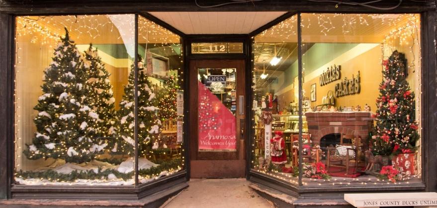 storefront-christmas